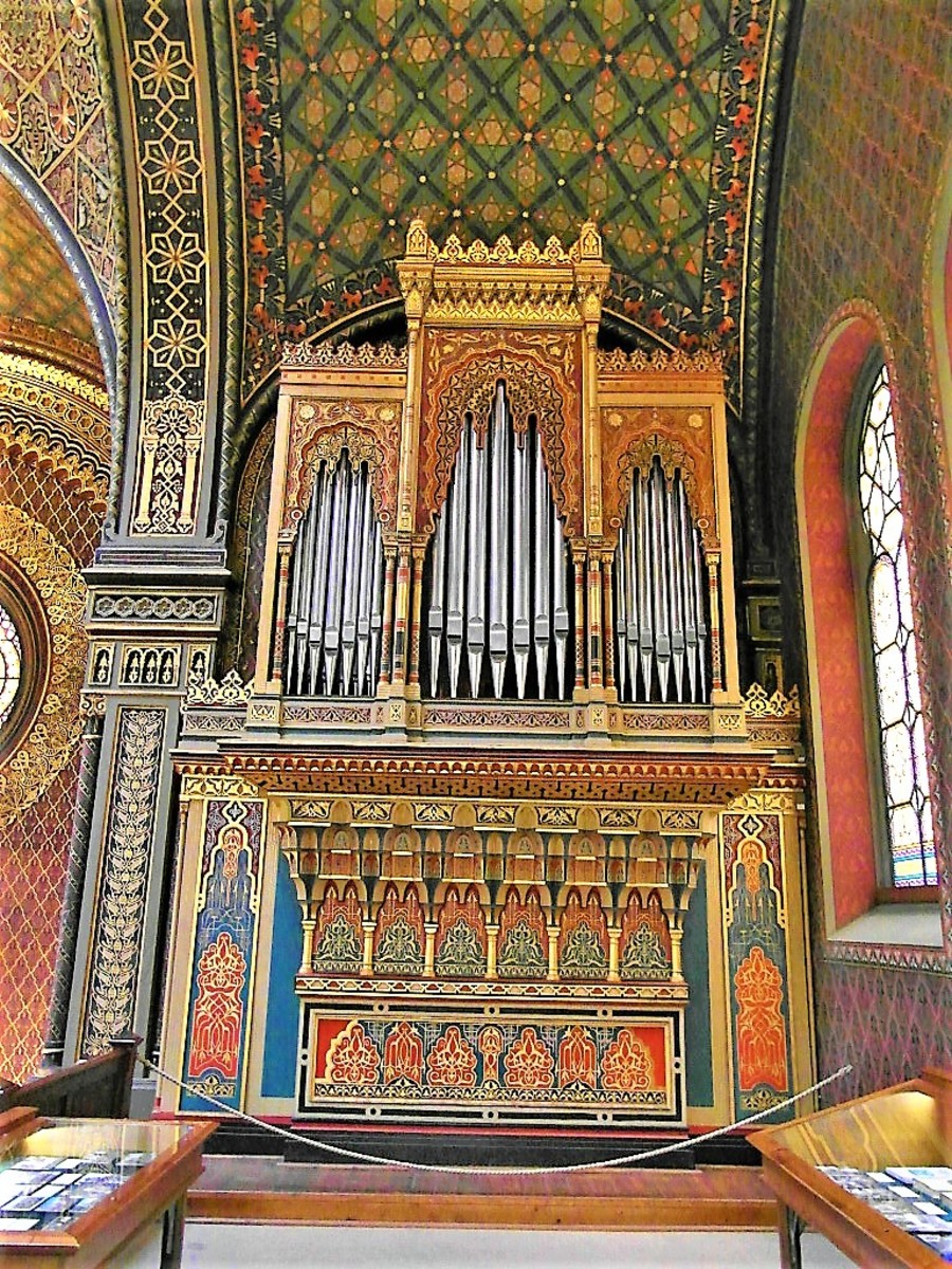 The Organ in the Spanish Synagogue.