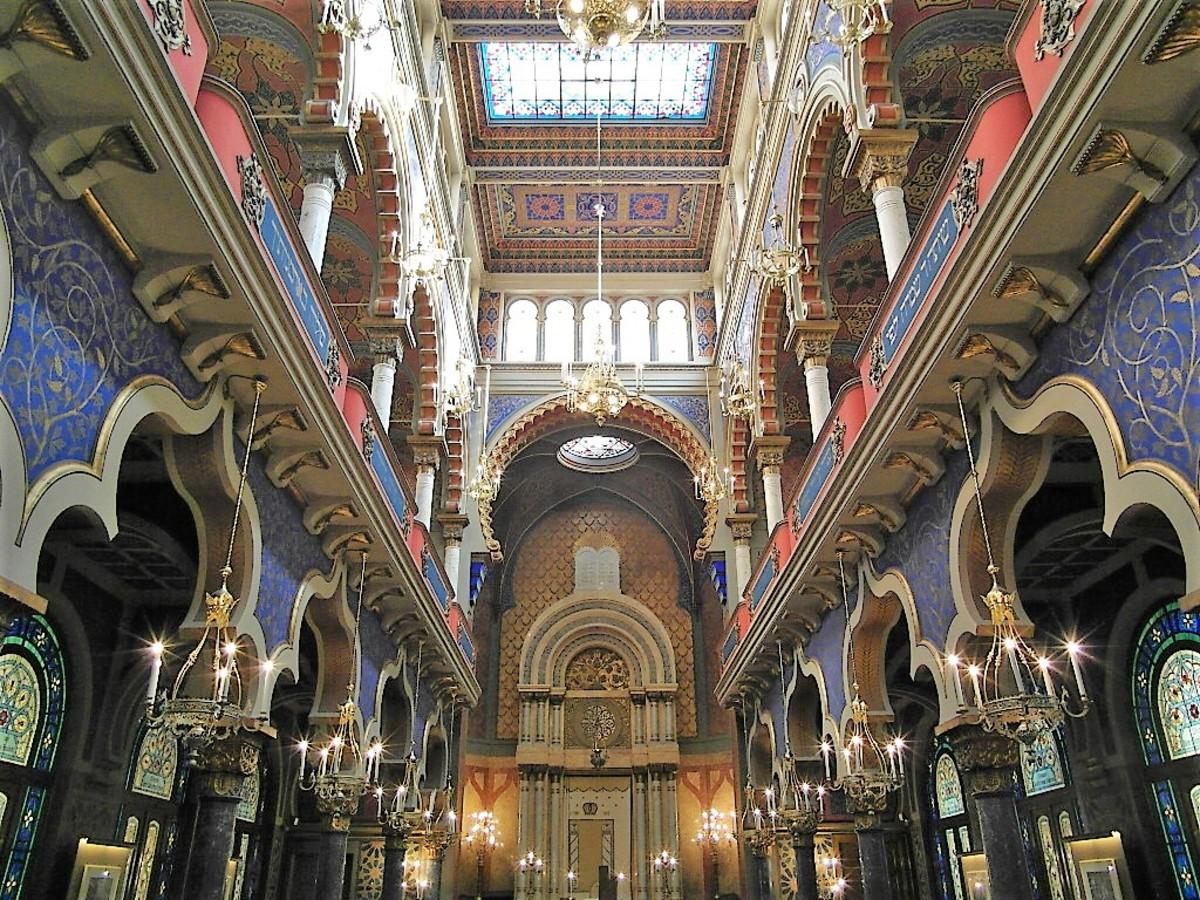 Moorish interior of Jerusalem Synagogue.