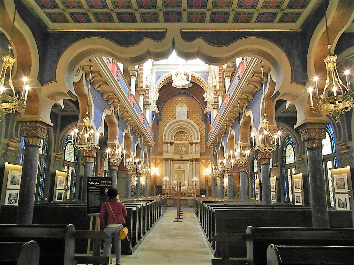 Interior of Jerusalem Synagogue.