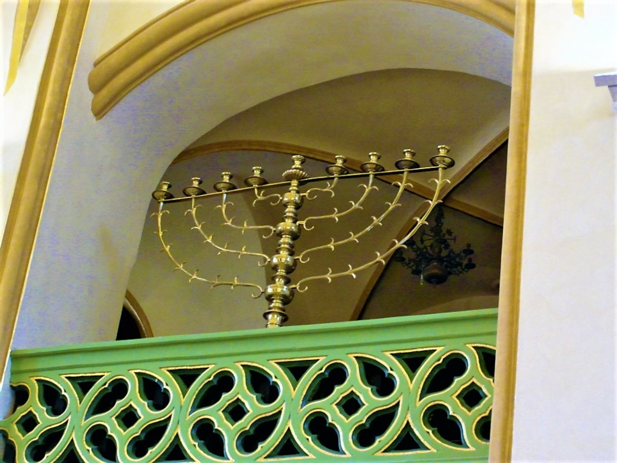 Candlestick in Maisel Synagogue.