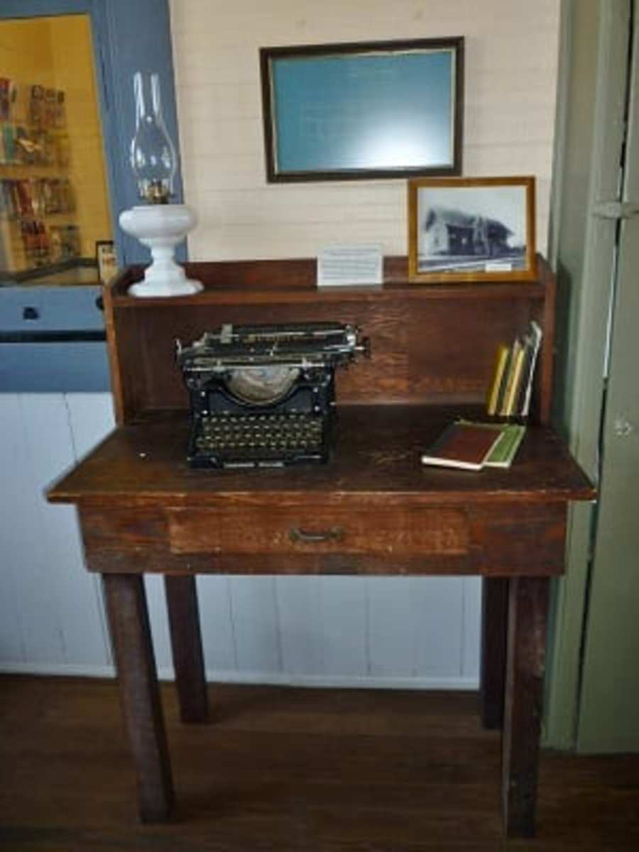 Desk & typewriter in M-K-T Katy Depot