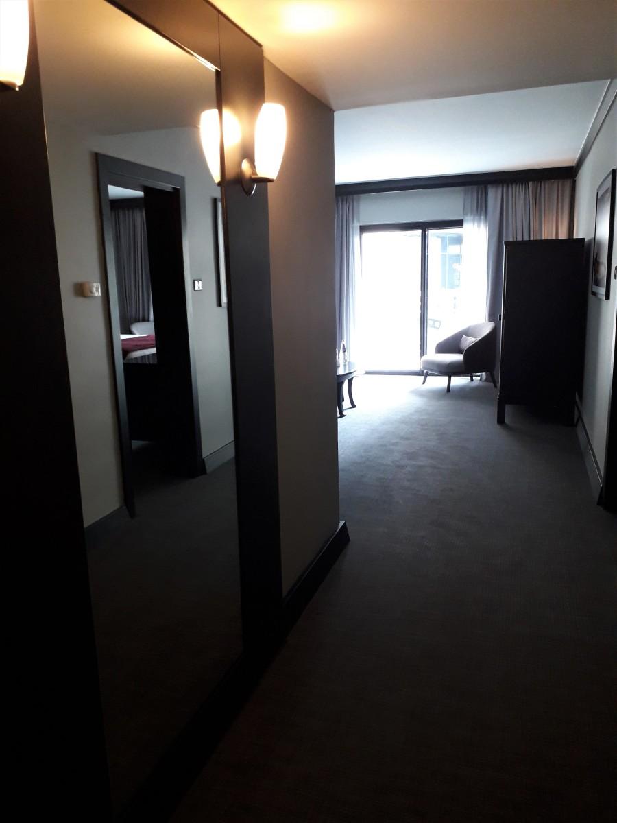 Entrance of junior suite.