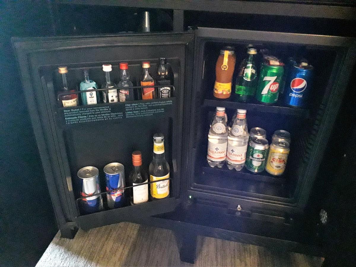 Mini bar.