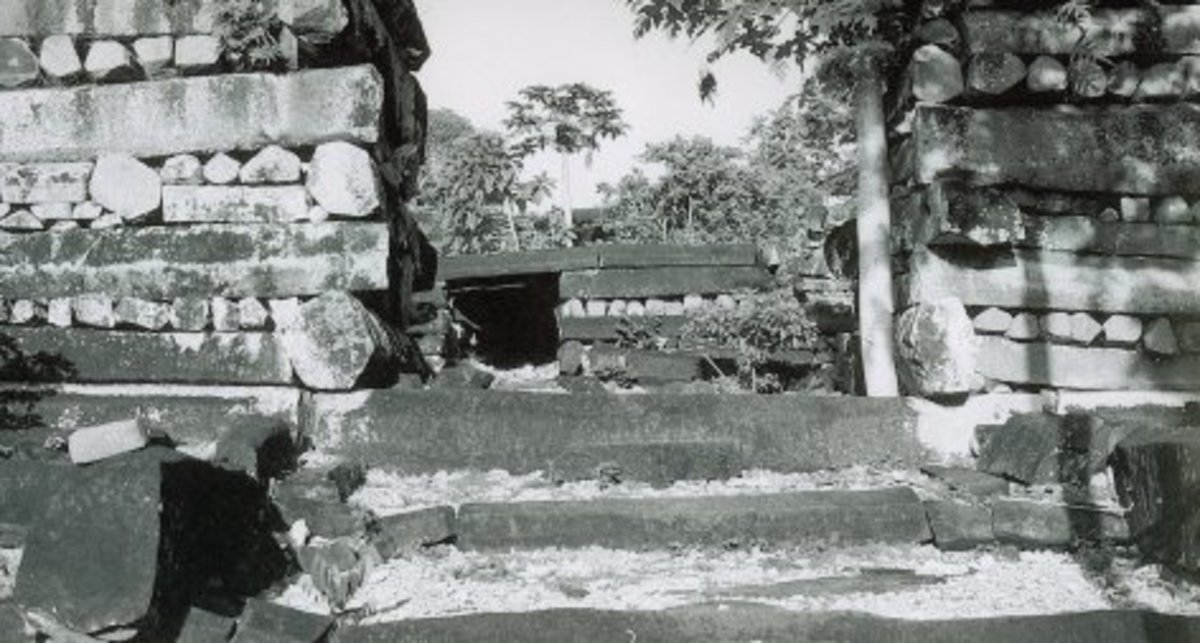 Tomb entrance at Nan Madol