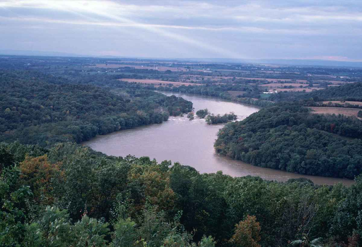 "The Ohio River is another apparent home of the Loveland Frogmen along with the Great Miami River. It was within the depths of the Ohio River that the legend of  ""The Green Clawed Beast"" was born in Evansville Indiana - August 21, 1955"