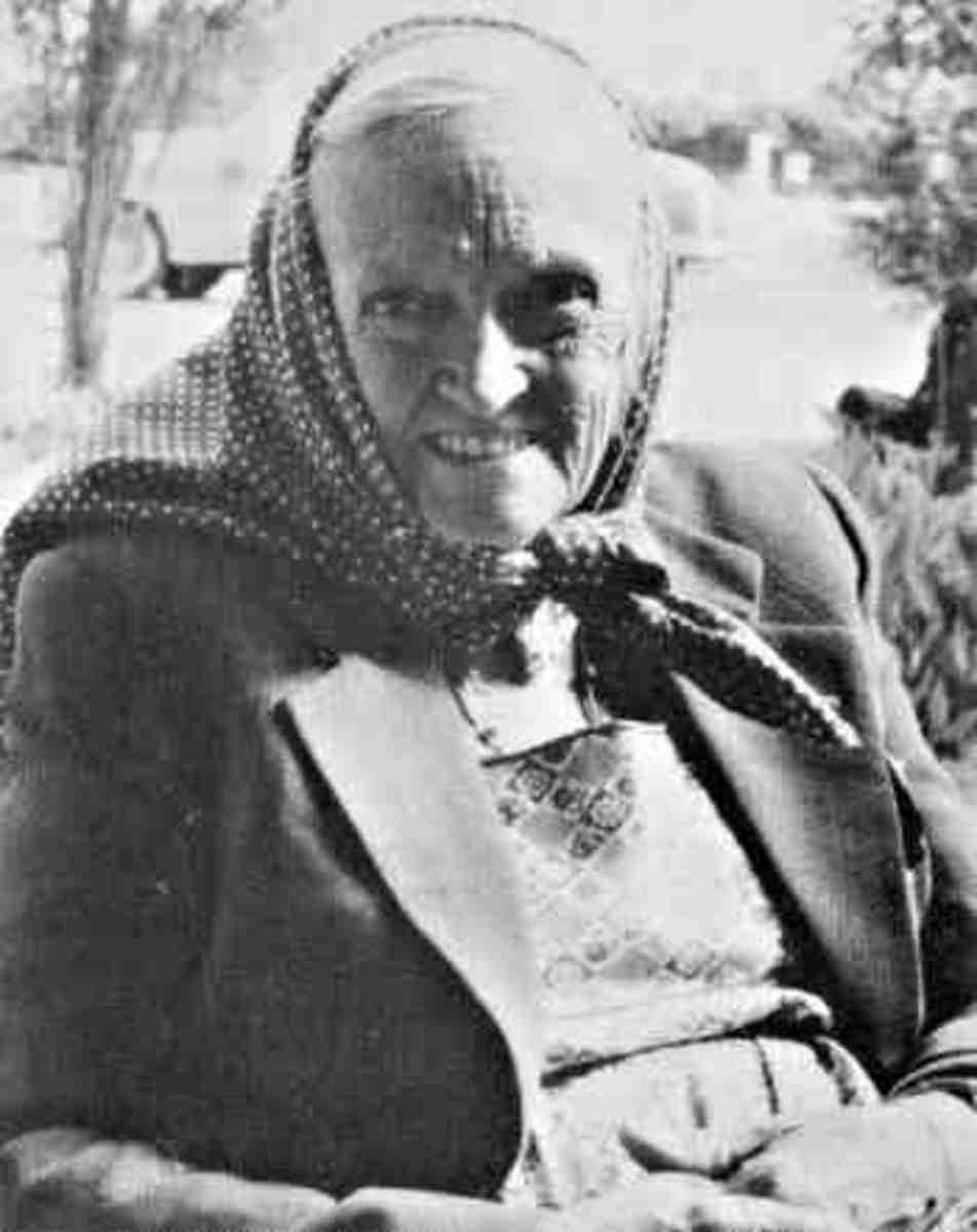 historicmysteries.com Omm Sety Dorothy Eady in older years