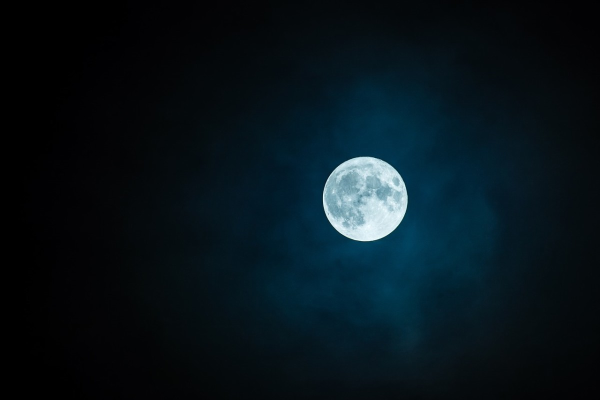 Dancing naked under a full moon in January just sounds painful to me. I'll keep my clothes on, thank you!