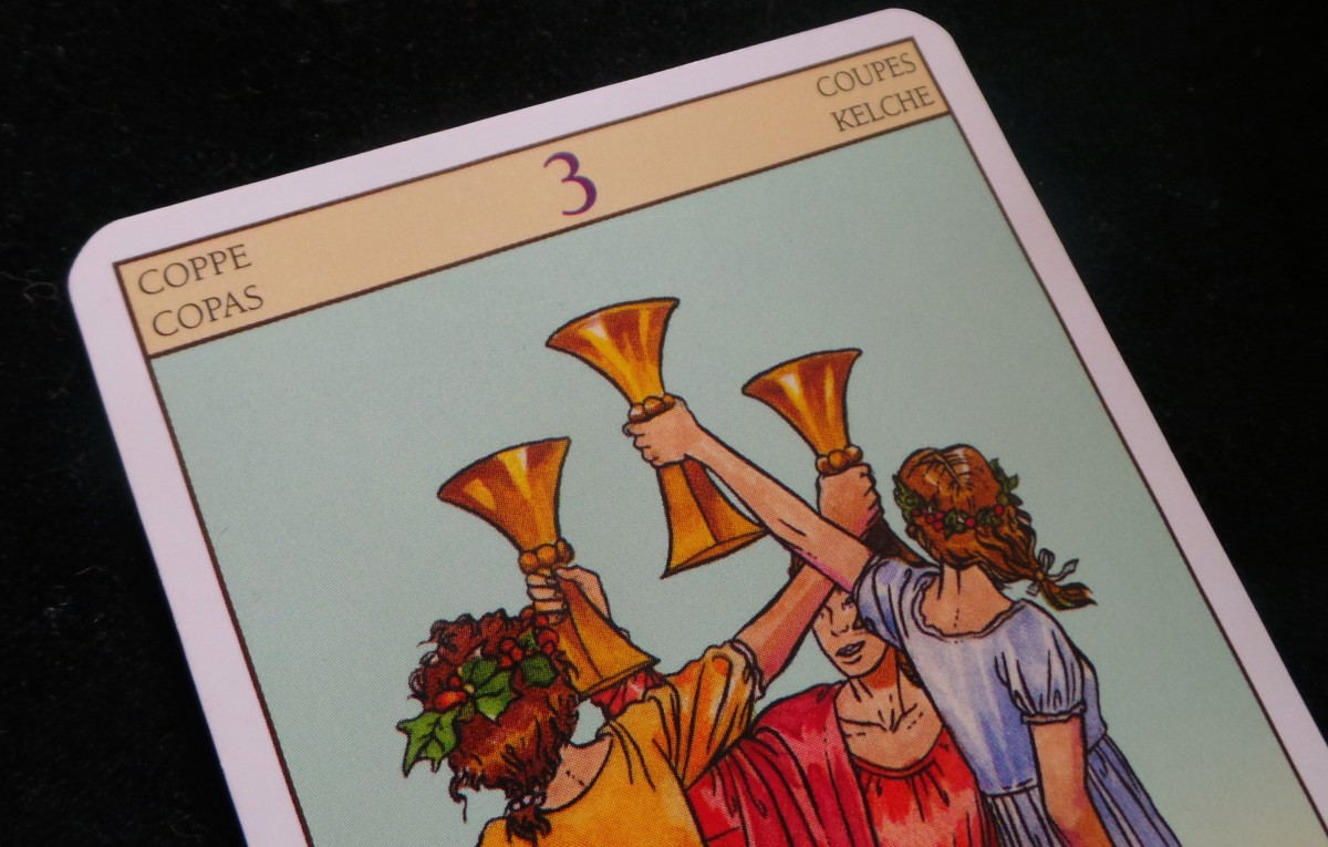 3 of Cups: What does the number on the tarot card mean?