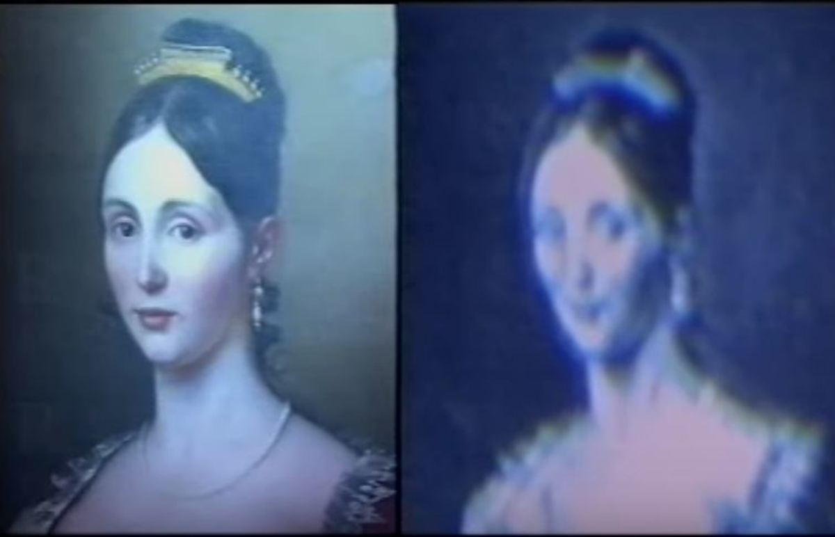 The original portrait (left) and the snapshot of the portrait taken through the videocamera (right).