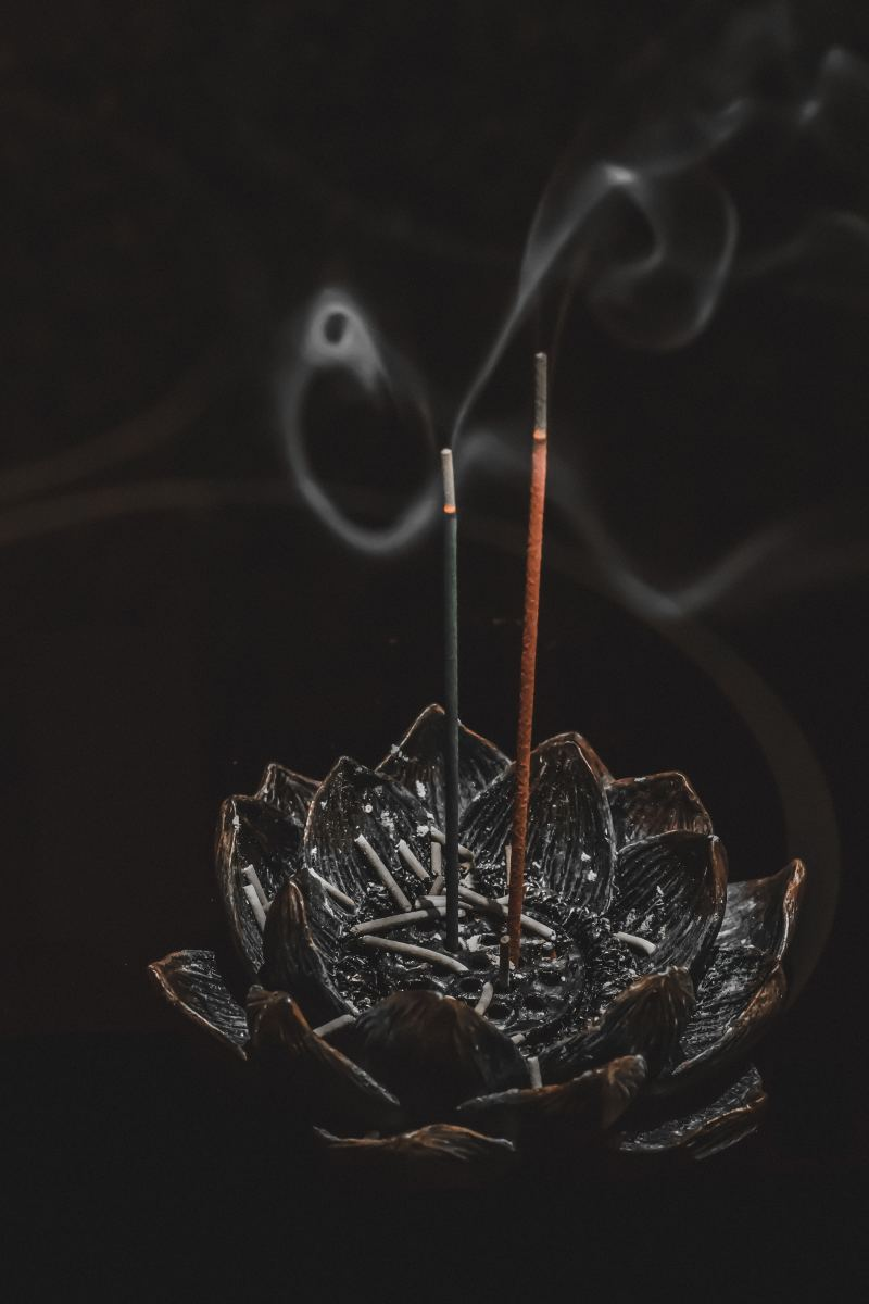 Smoke from incense can be used for scrying.