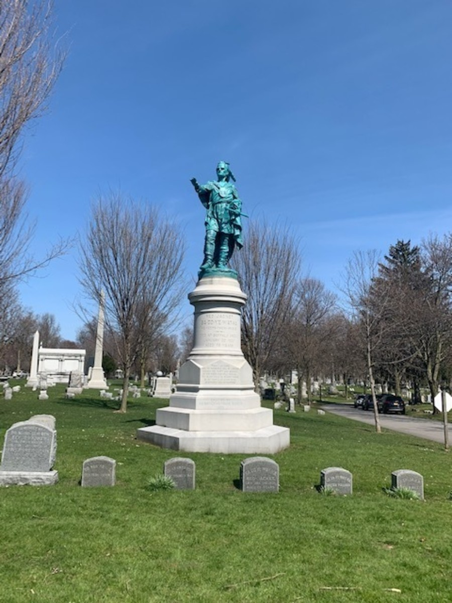 Memorial to Red Jacket in Forest Lawn.
