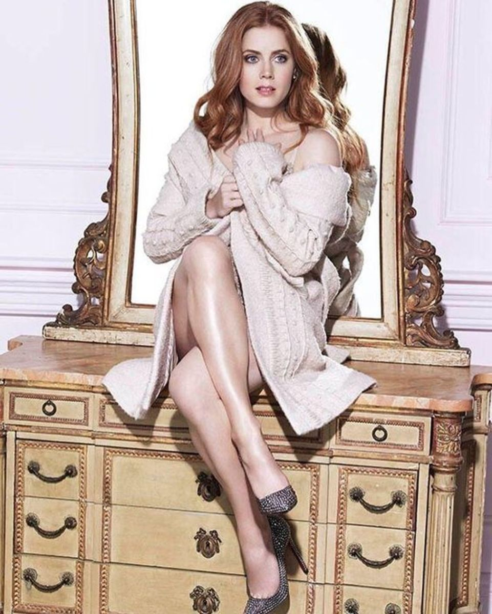 best-celebrity-legs-in-high-heels