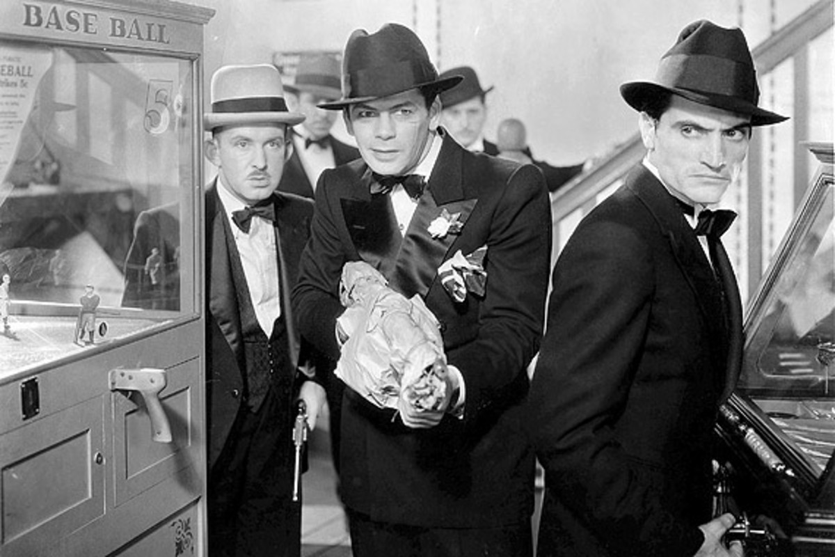 Scarface - Gangster Movies of the 1930's and 1940's