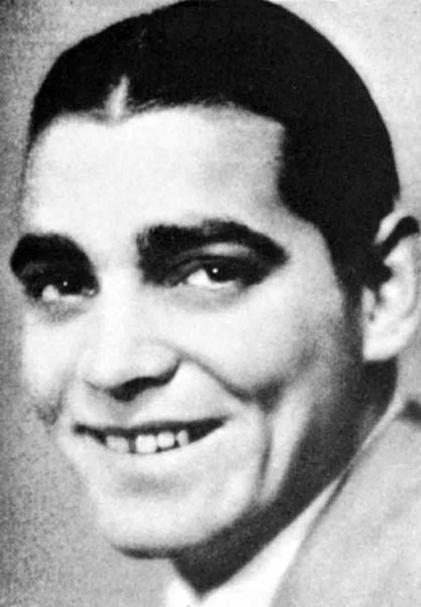 1925, before his teeth were fixed