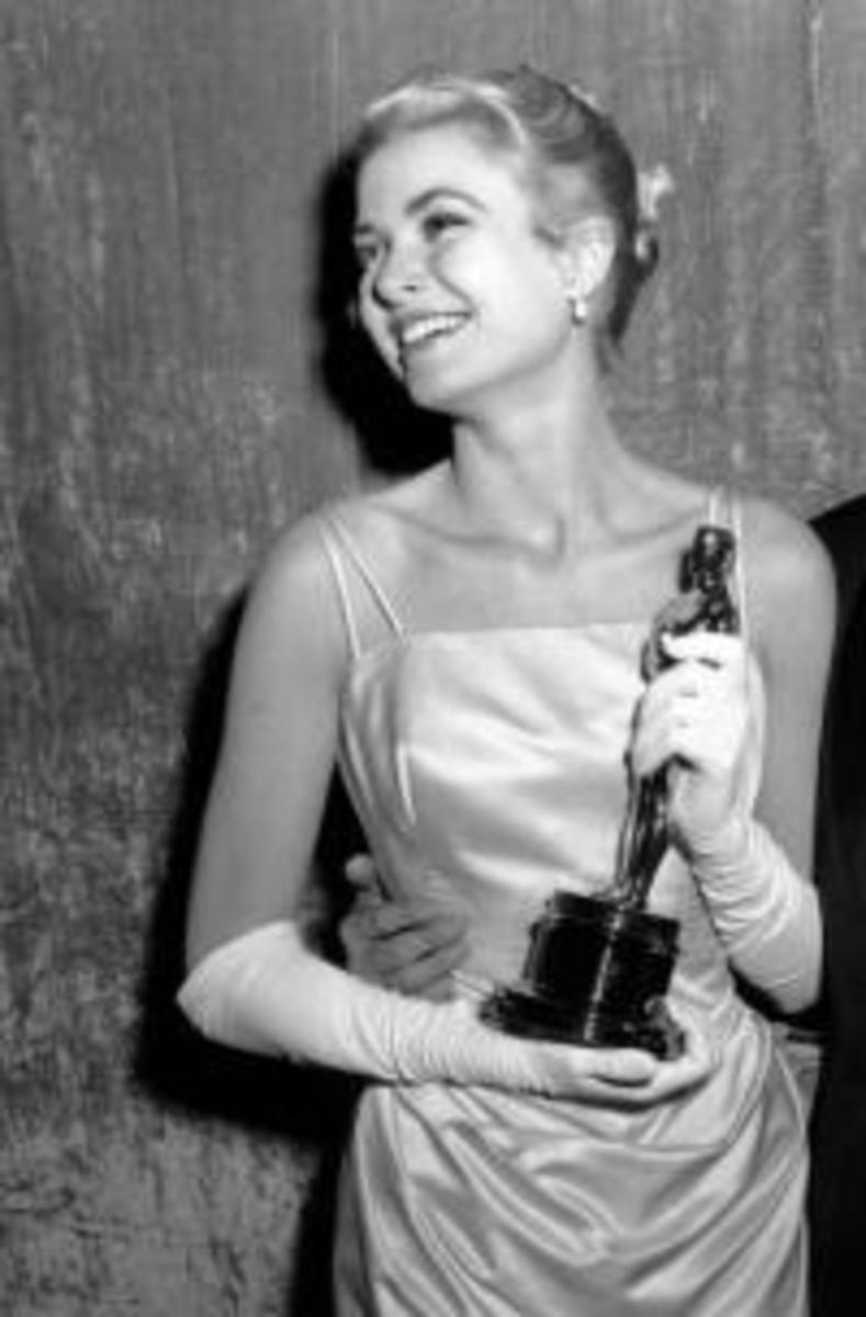 Grace Kelly accepting her Academy Award.