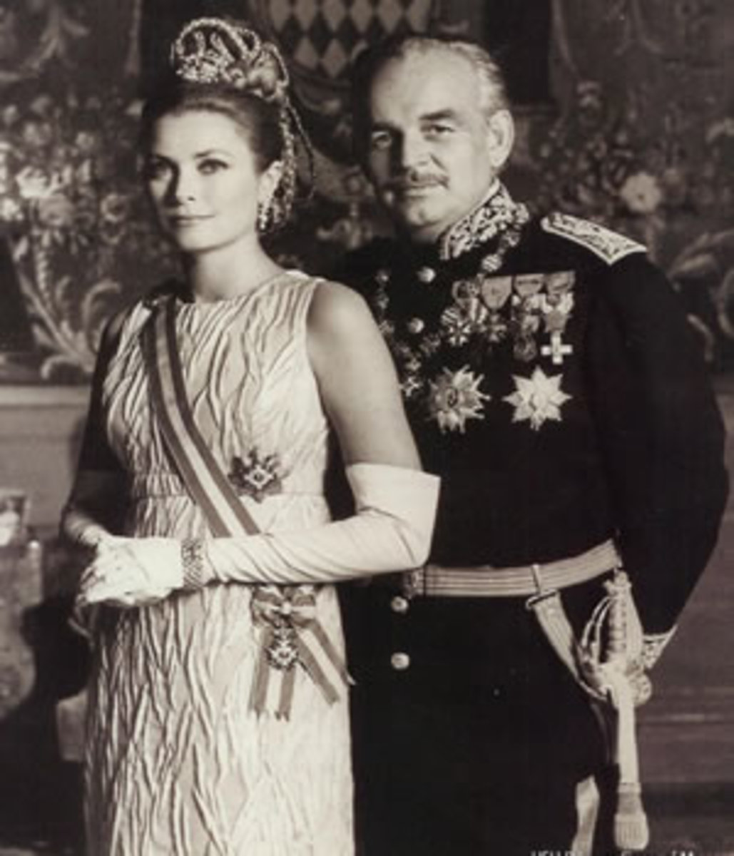 Princess Grace gave up acting to fulfill her official duties.
