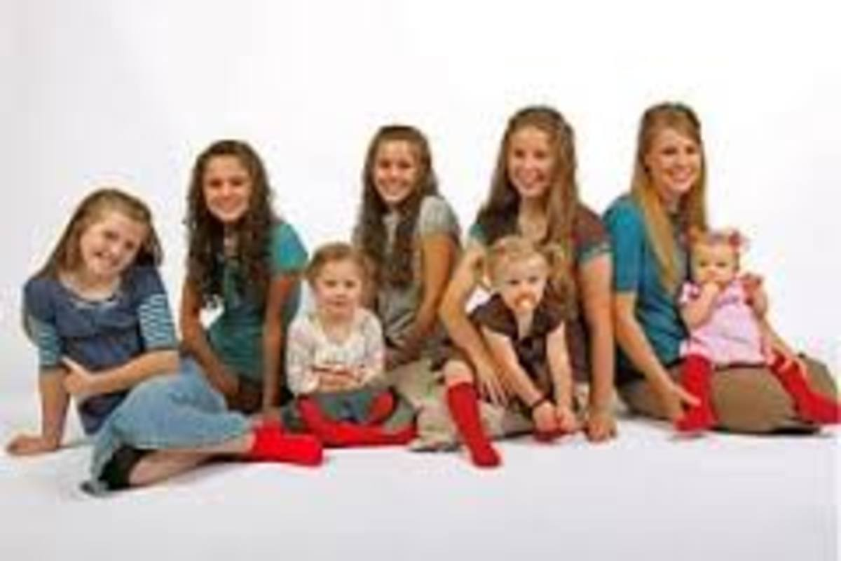 In the Duggar family as with the majority of large and very large families, it is the OLDEST/OLDER children who raise the younger children, NEVER THE PARENTS.
