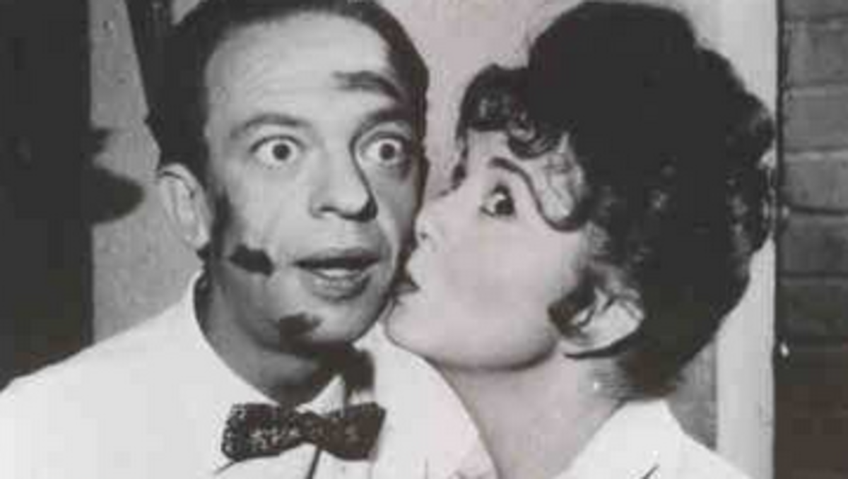 THELMA LOU GIVES BARNEY FIFE KISSES