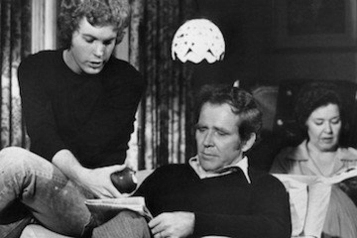 Gary Frank, Sada Thompson, and James Broderick on the set of Family.