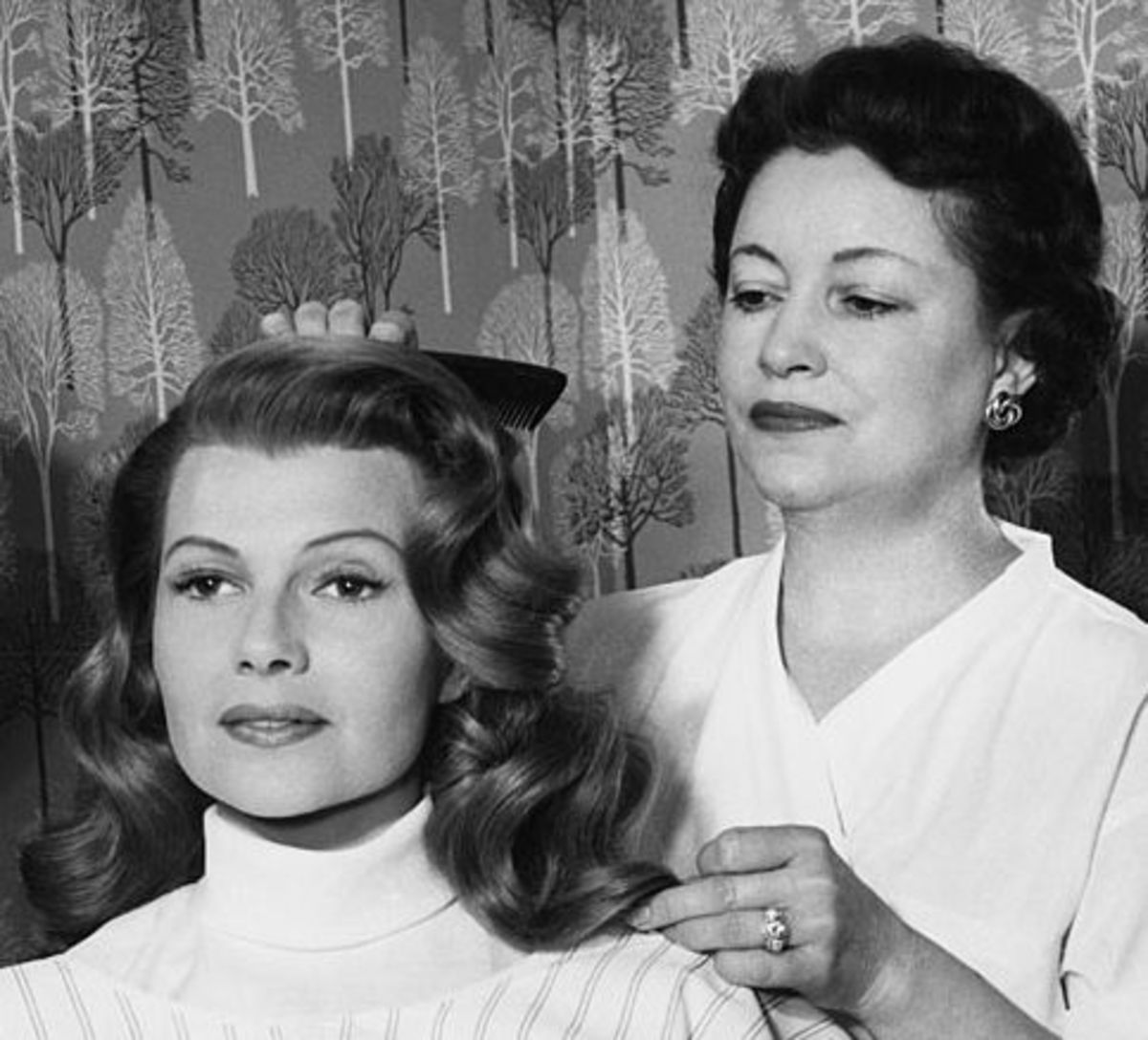plastic-surgery-in-the-1950s-and-today