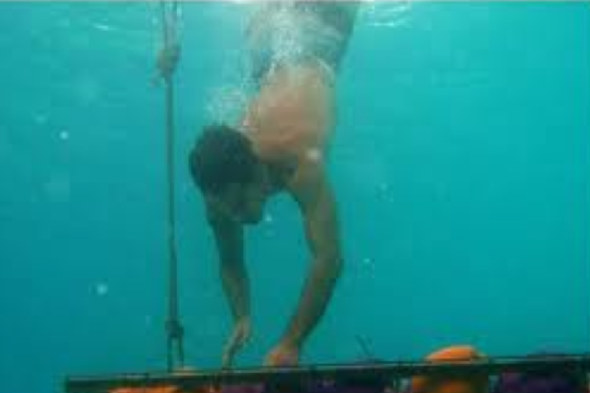 Survivor Contestant Ozzy, shown here not drowning during a challenge.
