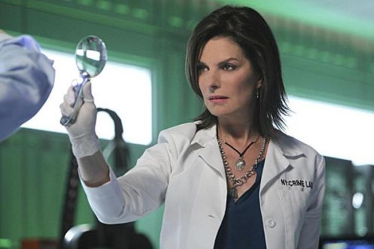 Sela Ward as Jo Danville in the season opener of Season 7