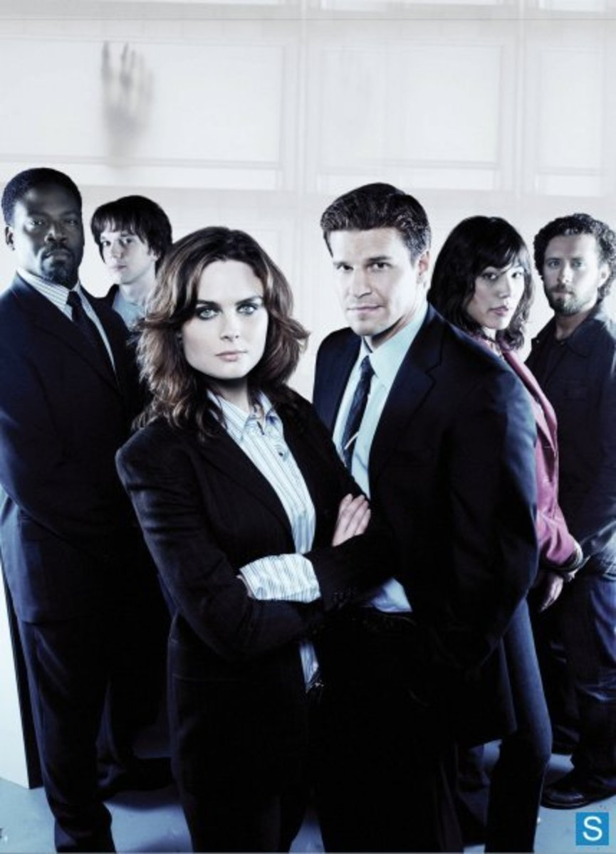 The season one cast shot.