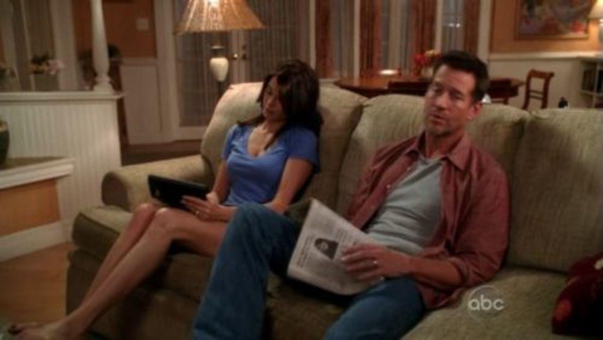 """Earl Hays newspaper prop in """"Desperate Housewives"""" (2006) Season 6 Episode 12"""