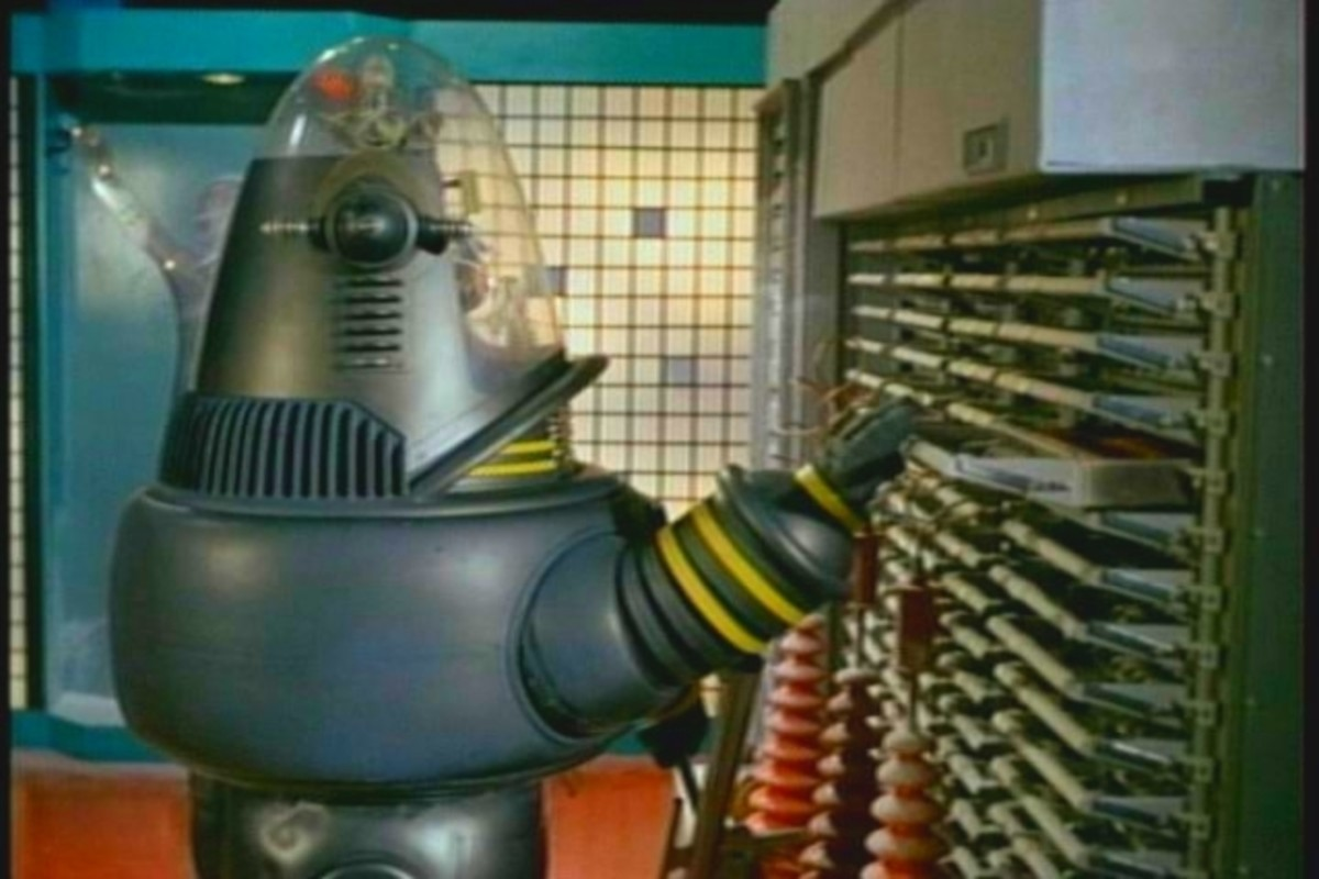 Robby The Robot in Lost In Space, The Condemned of Space