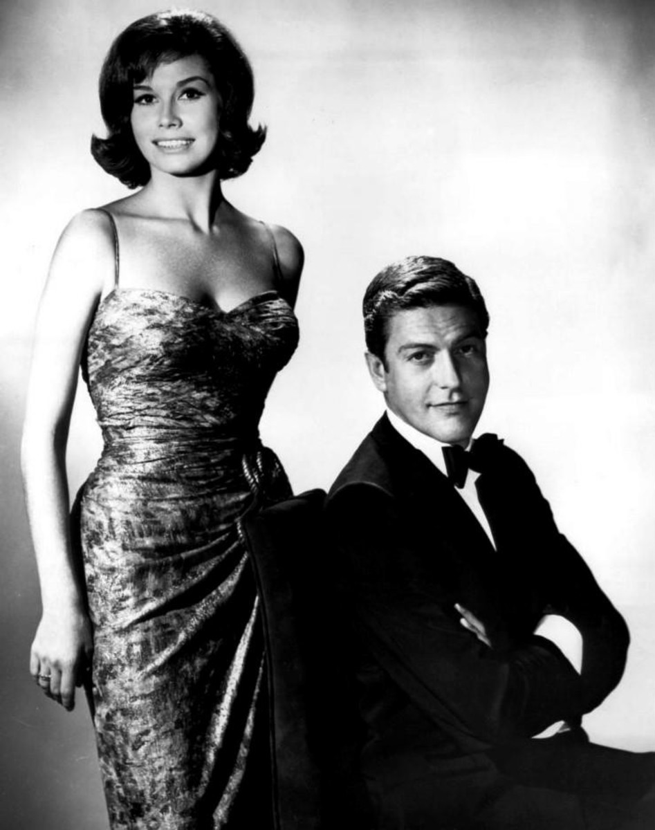 Mary Tyler Moore with former co-star Dick Van Dyke.