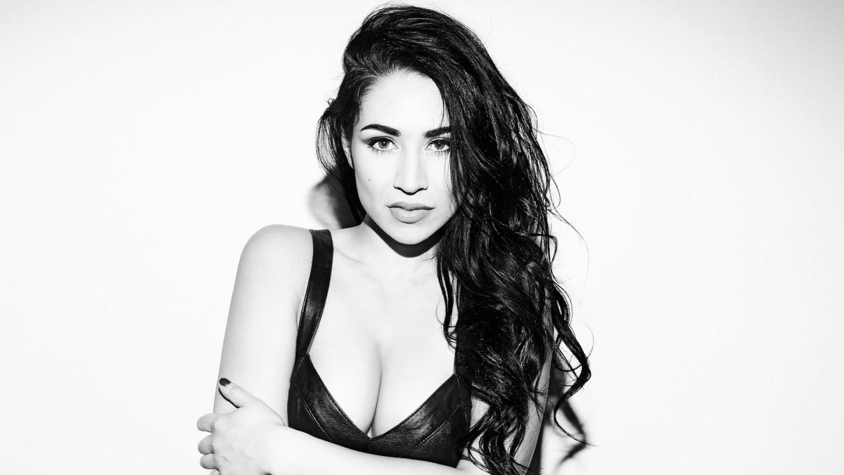 Cassie Steele now!