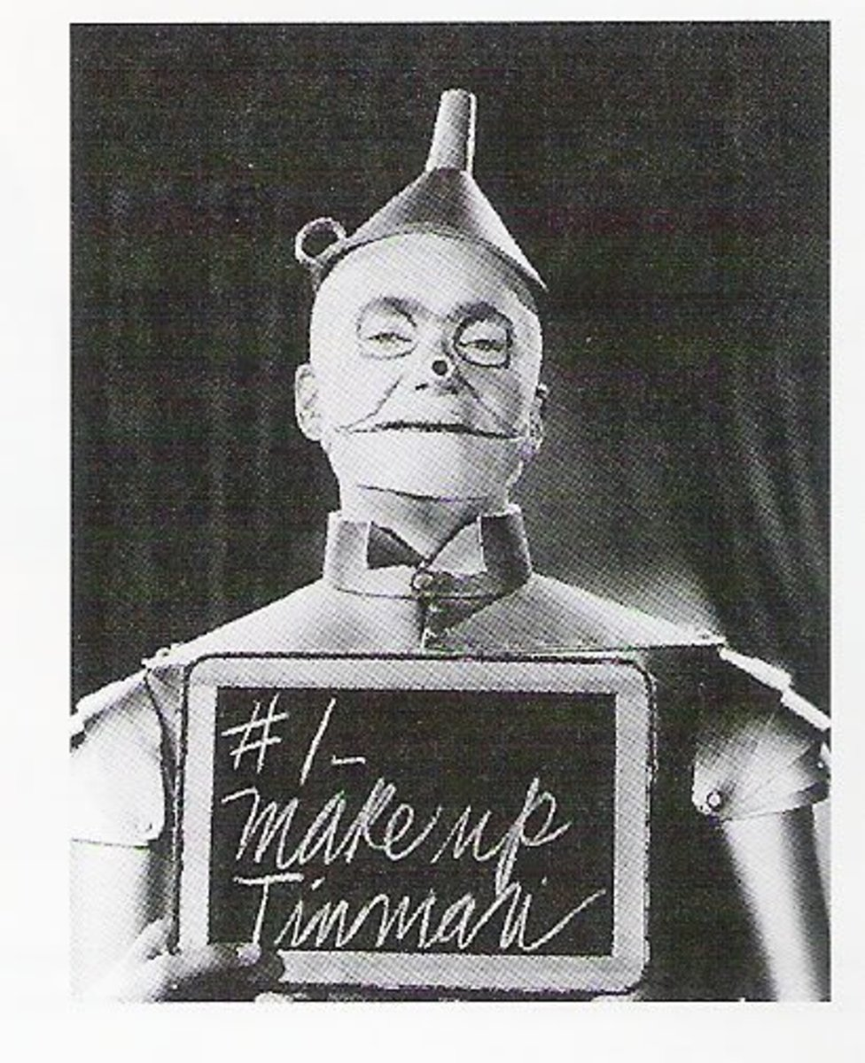 Ray Bolger as the Tin Man
