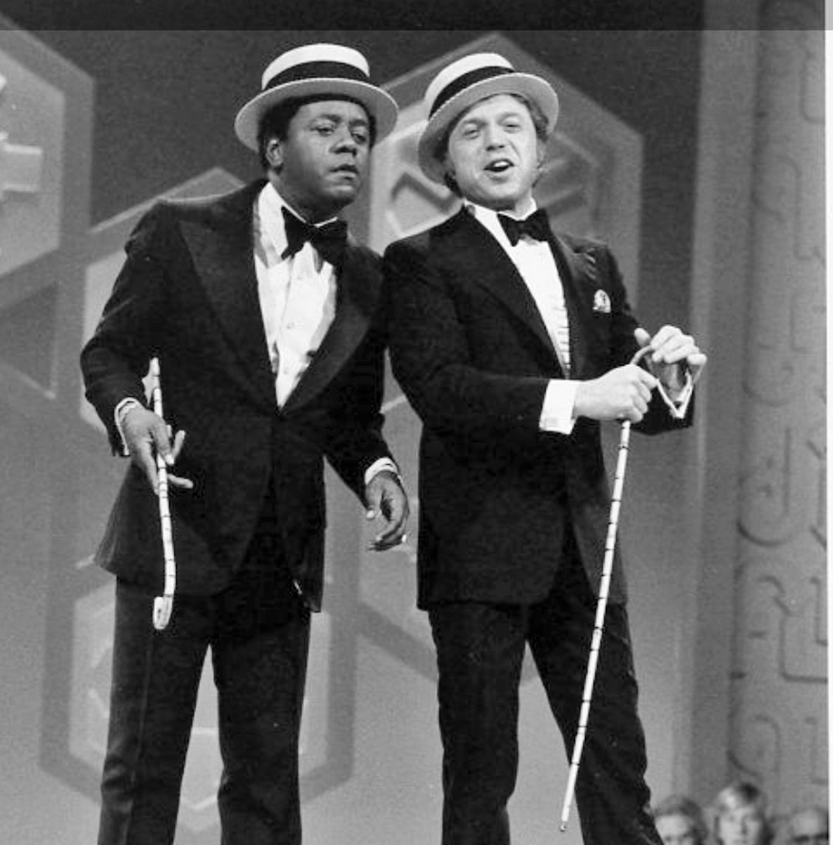 Flip with guest Steve Lawrence doing a duet