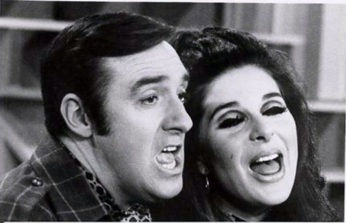 Nabors along with guest Bobbie Gentry perform on a episode of his series.
