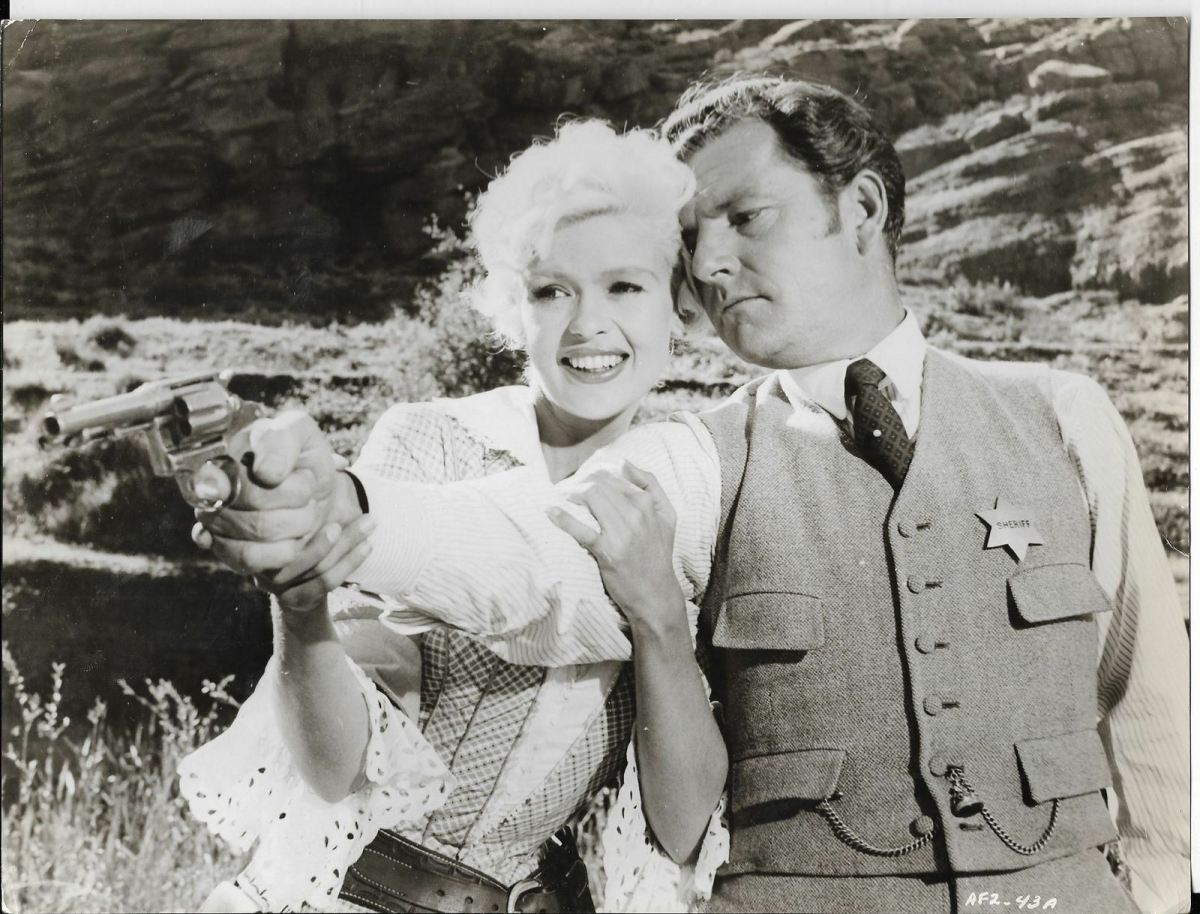Jayne with co star Kenneth More