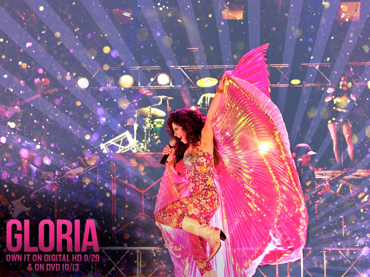 "A re-enactment of Gloria Trevi's 1996 concert in Mexico City's ""Estadio Azteca"" (Aztec Stadium)."