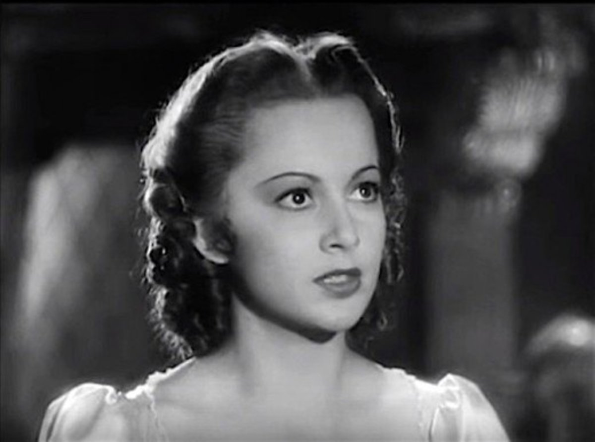 Her performance in Captain Blood opposite swashbuckler Errol Flynn helped make Olivia de Havilland a star!