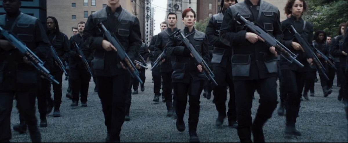 Image from: www.divergentlife.com/2013/11/we-break-down-divergent-trailer-scene.html