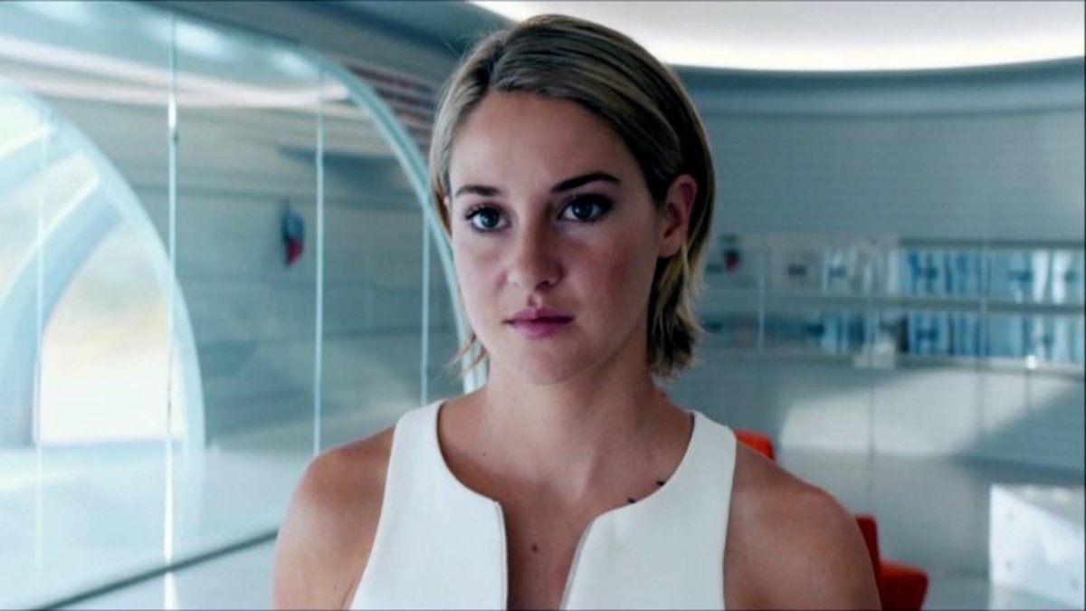 Image from: jonnegroni.files.wordpress.com/2016/03/video-the-divergent-series-allegiant-part-1-uk-teaser-trailer-superjumbo.jpg?w=798&h=449