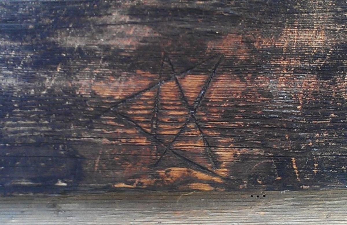 Apotropaic marking on a farmhouse from Niemelä Tenant Farm