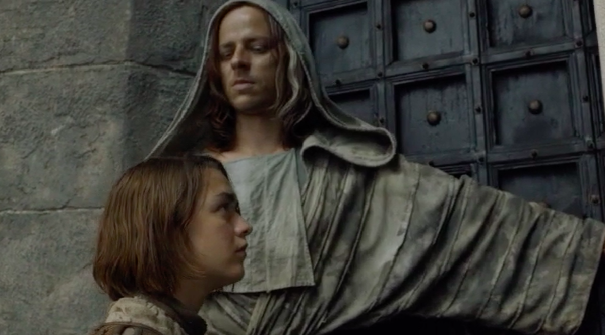Jaqen H'ghar (Tom Wlaschiha) and Arya (Maisie Williams)