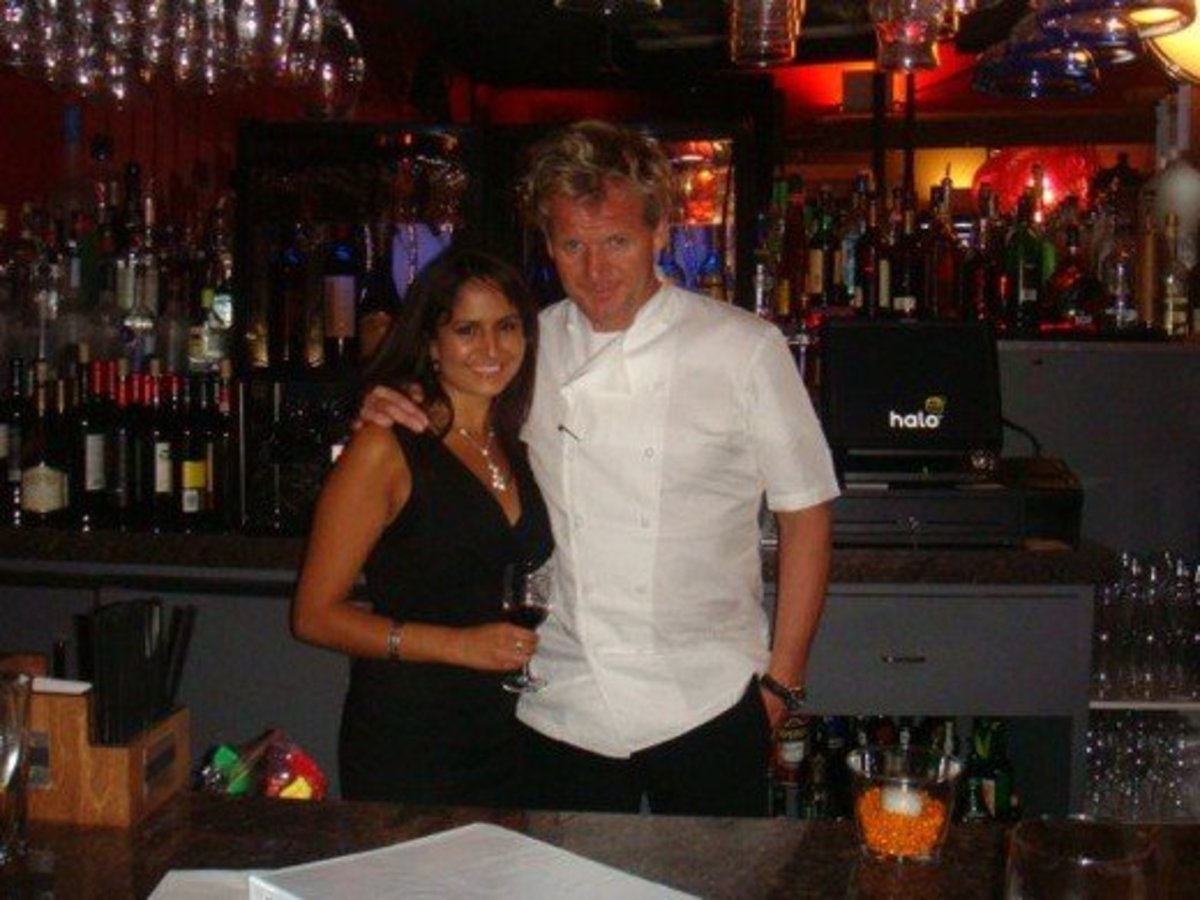 Lisa Hemmat poses with celebrity Chef Gordon Ramsay.