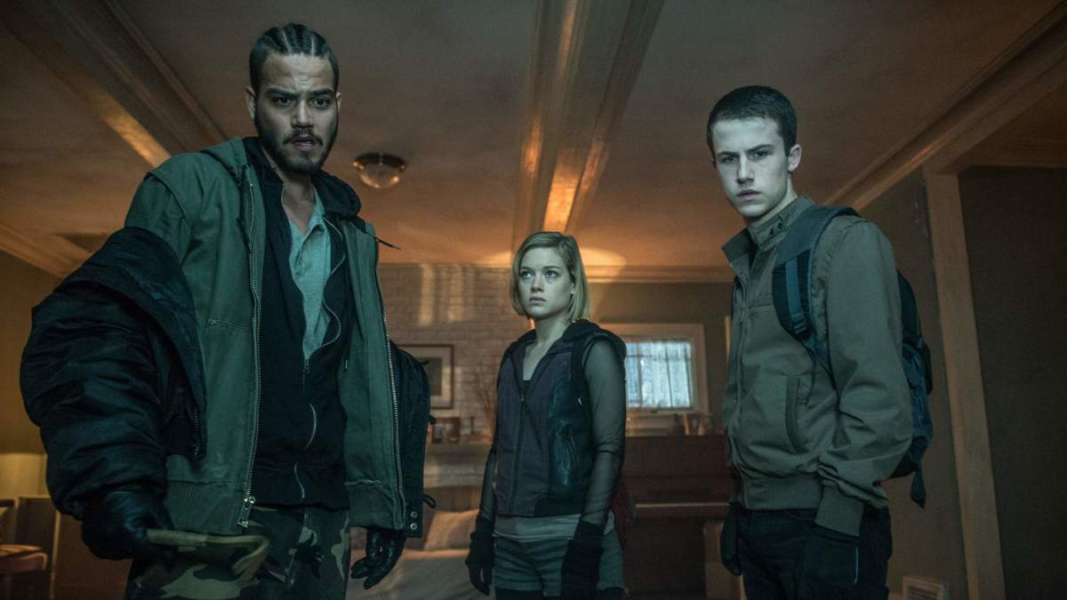 "Daniel Zovatto, Jane Levy, and Dylan Minnette in ""Don't Breathe."""
