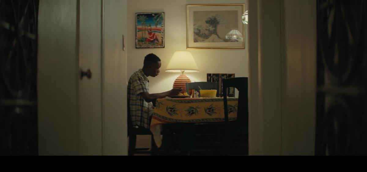 Yellow tablecloth, yellow bowl.