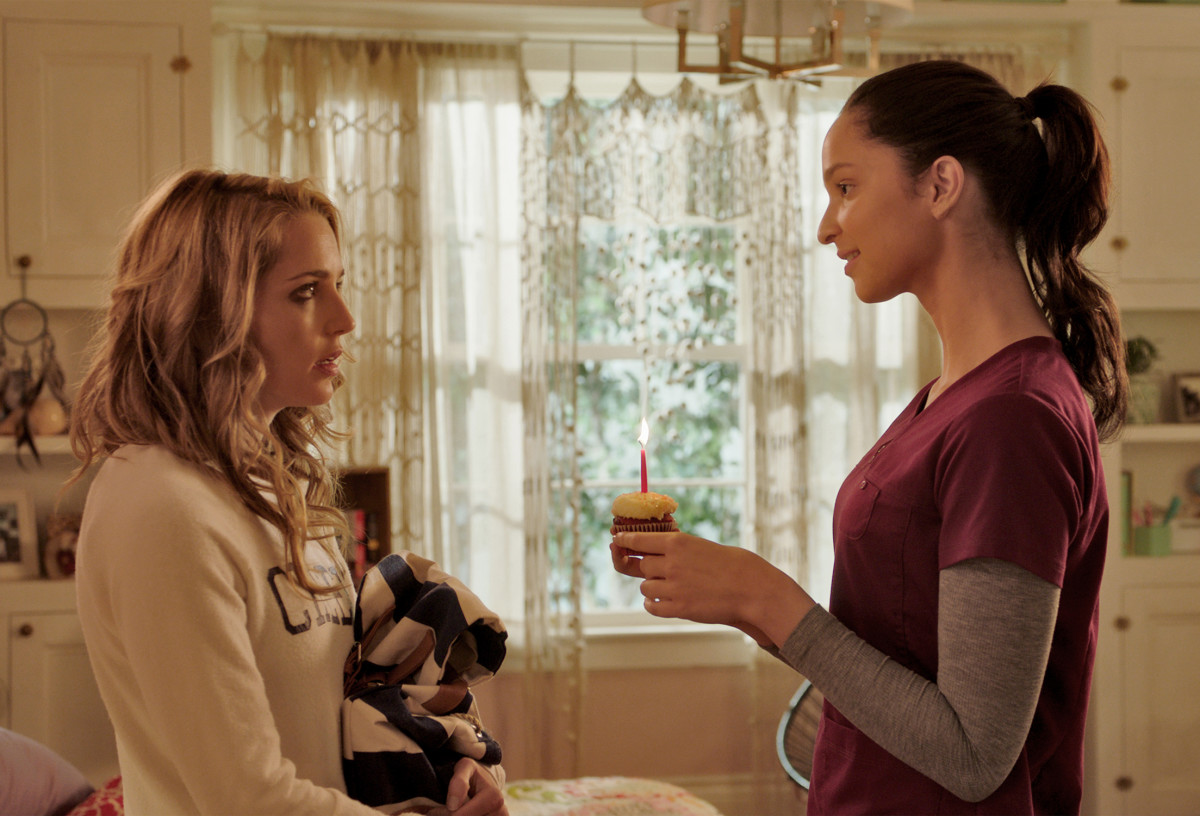 Left to Right: Tree Gelbman (Jessica Rothe) and her roommate Lori Spengler (Ruby Rodine)