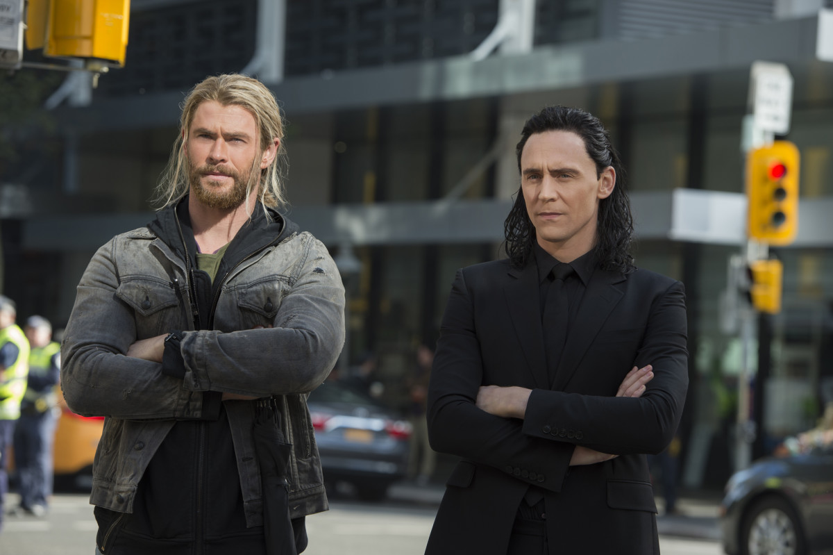 Thor (Chris Hemsworth) and Loki (Tom Hiddleston)
