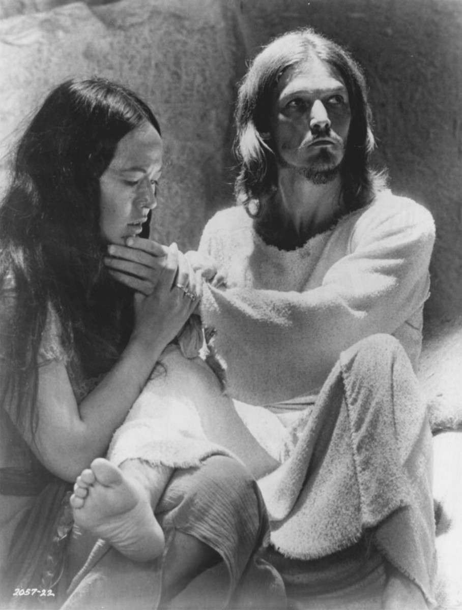 Publicity photo of American entertainers Yvonne Elliman and Ted Neeley promoting their roles in the 1973 feature film Jesus Christ Superstar. Yvonne Ellman portrayed Mary Magdalene for four years.