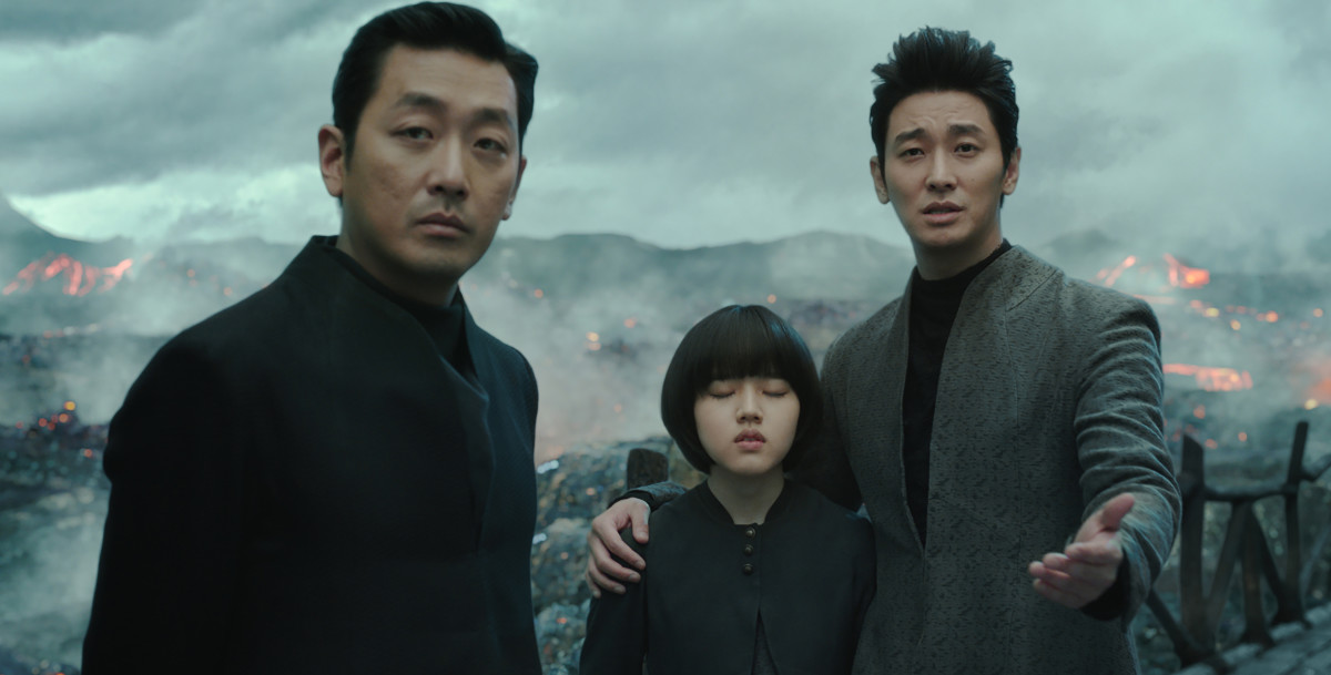 "Ha Jung-woo, Kim Hyang-gi, and Ju Ji-hoon as the three guardians of the afterlife in ""Along with the Gods: The Two Worlds."""