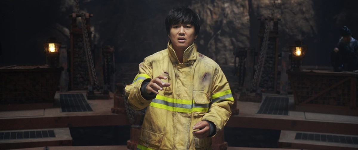 "Cha Tae-hyun as Kim Ja-hong in ""Along with the Gods: The Two Worlds."""