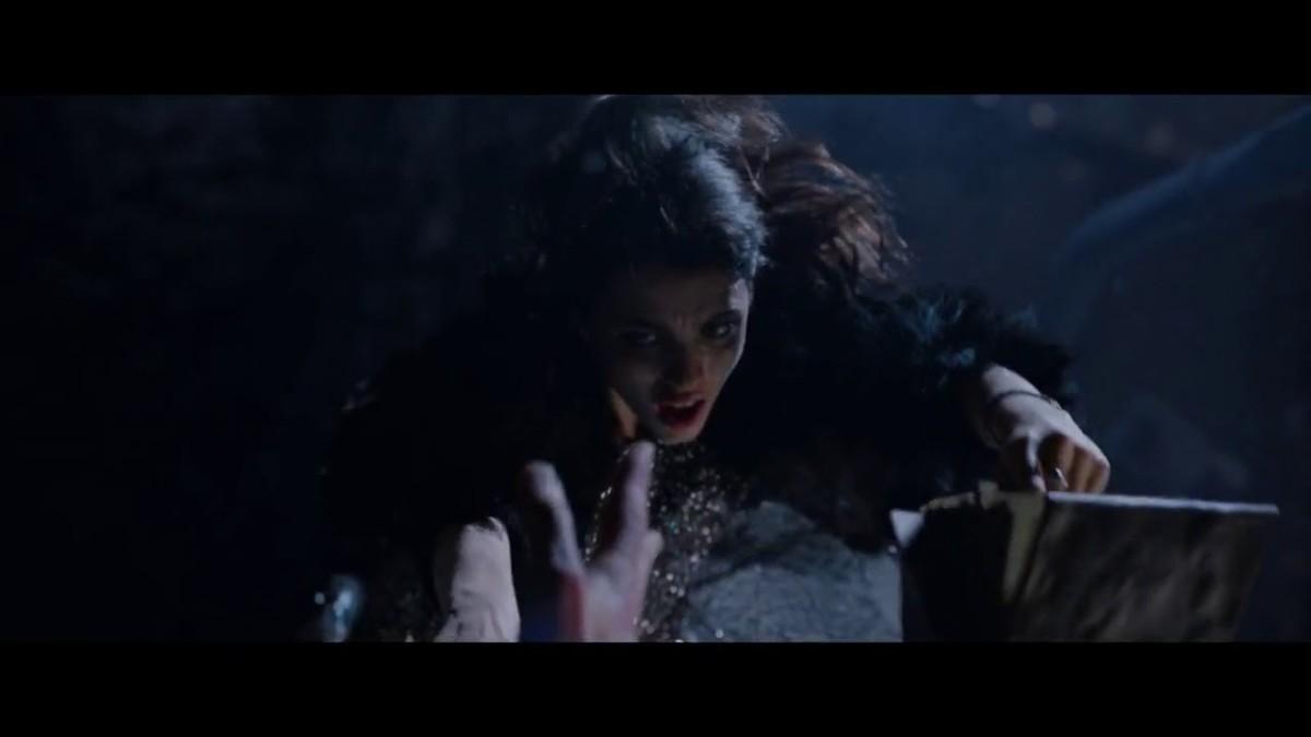 Mia falls off a ferris wheel